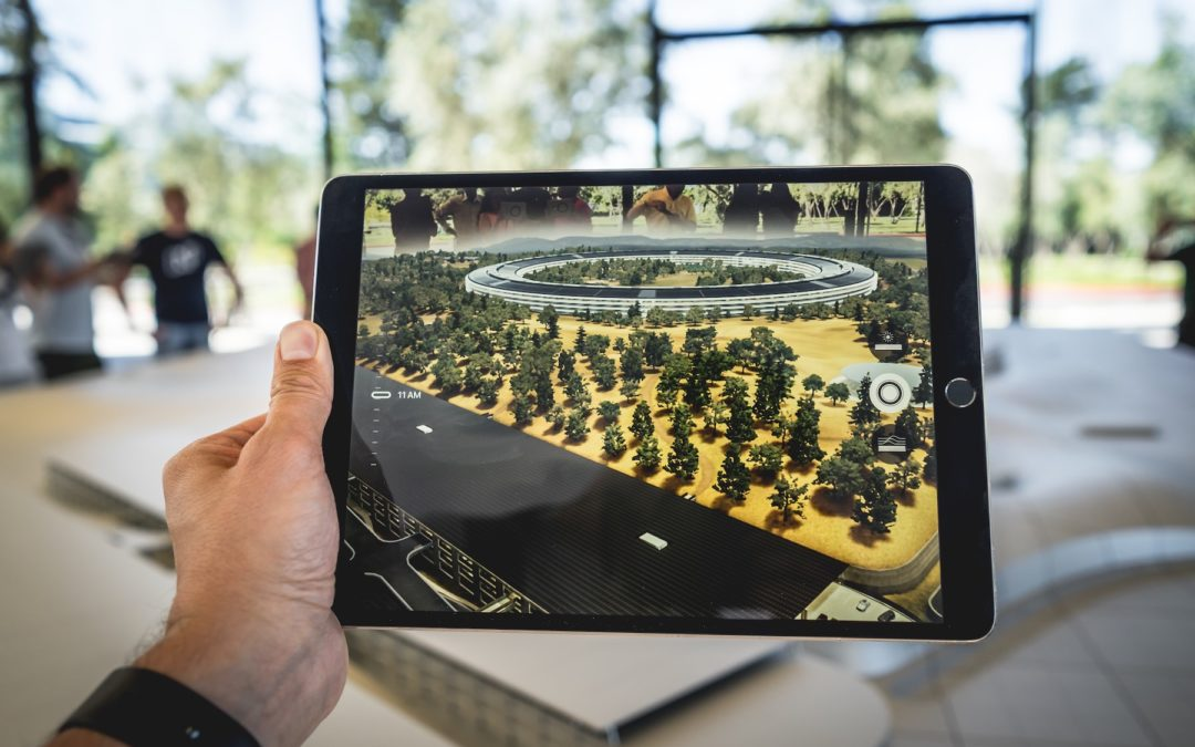 How Augmented, Virtual and Mixed Reality Can Help Businesses Adapt to WFH